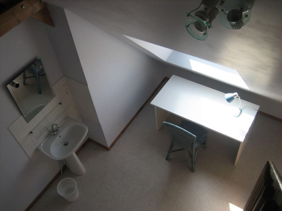 Caen nord chambre meubl e en duplex de 18m2 huizen te for Chambre 18m2