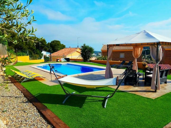 CAN XERINOLA . Preciosa Villa en un entorno único.