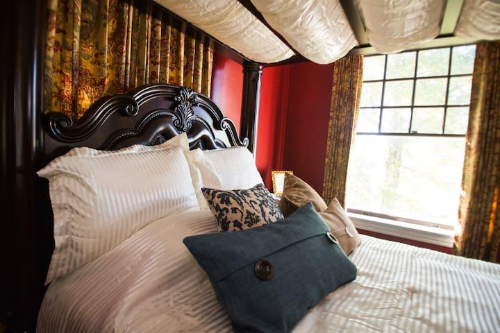 Grace Estate Colonial Suite - Minden - Bed & Breakfast