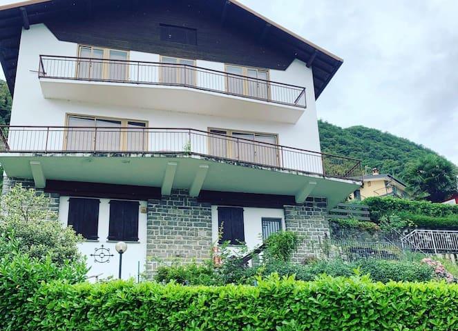 Elda's House Limonta