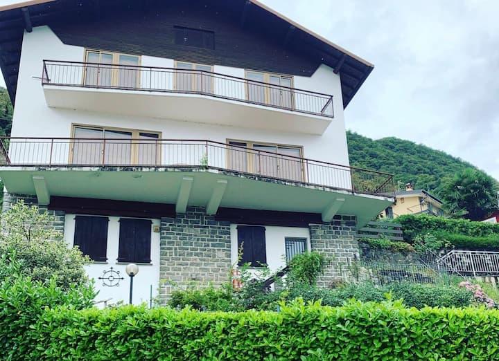 Tullio's House Limonta