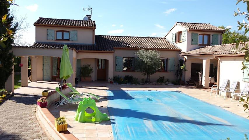 Villa type provençale avec piscine - Saint-Génies-Bellevue - Dom