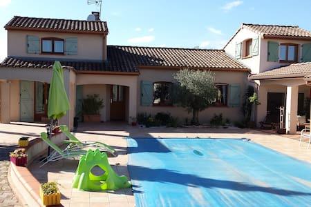 Villa type provençale avec piscine - Saint-Génies-Bellevue