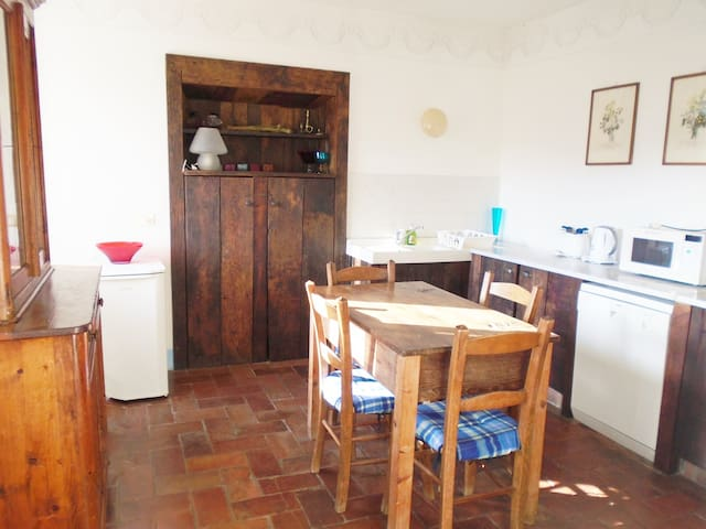 Spacious property in superb setting - Borgo a Mozzano - Appartement