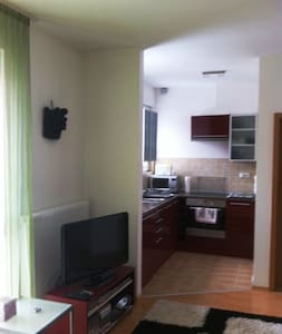 New built, one-roomed flat, close to the center - Budapest - Apartment