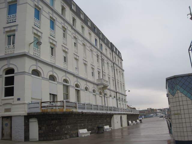 STUDIO FACE A LA MER AVEC BALCON - Wimereux - Apartamento