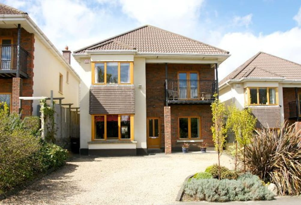 Large Home In South Dublin Houses For Rent In Stepaside Dublin Ireland