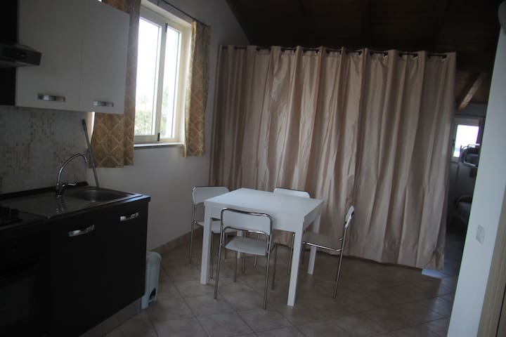 appartamento centralissimo - San Giovanni Suergiu - Lägenhet