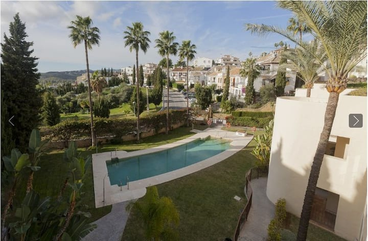 Whole renovated apartment by the pool, Mijas Golf