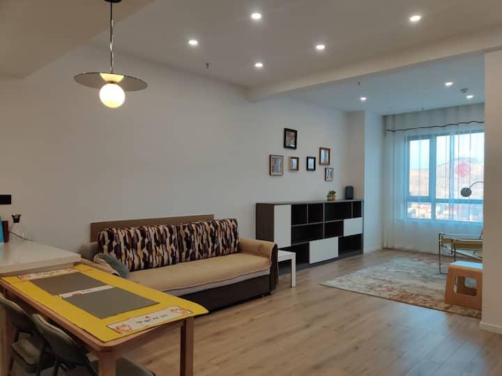 香格里拉六期公寓·宽敞舒适简约一居室,可以放空,可以烹饪,可以读书。