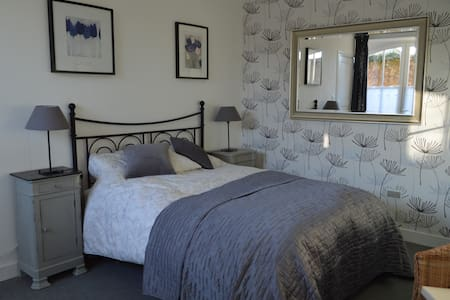 B&B Cordes-sur-Ciel with garden and easy parking - Cordes-sur-Ciel