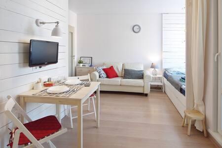 Уютная квартира-студия с видом на залив