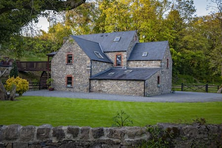 Tranquil,rustic, 300 yr old mill retreat,unique