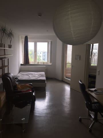 Cozy nice apartment at the Berlin main station