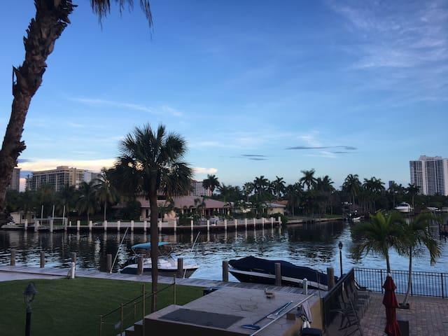 Condo Hallandale Floride