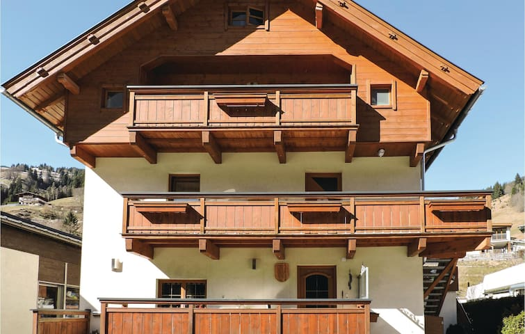 Holiday apartment with 2 bedrooms on 58m² in Viehhofen