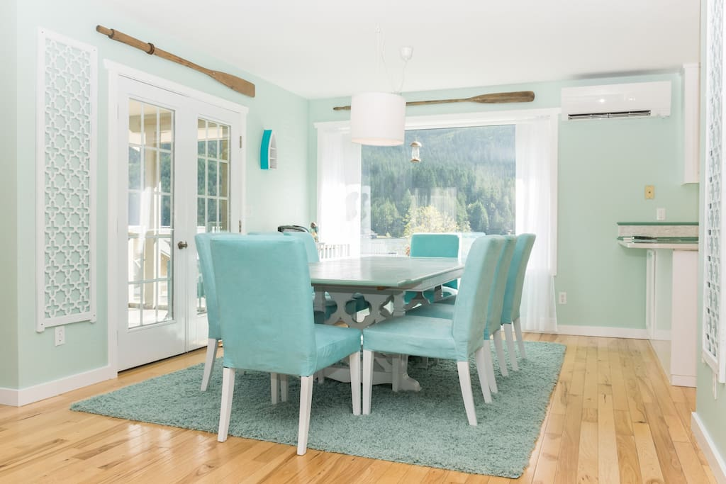 Our spacious dining room with lake view will have you lingering over your meals together.