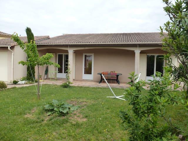 Maison particulière de plein pied - Valence - Haus