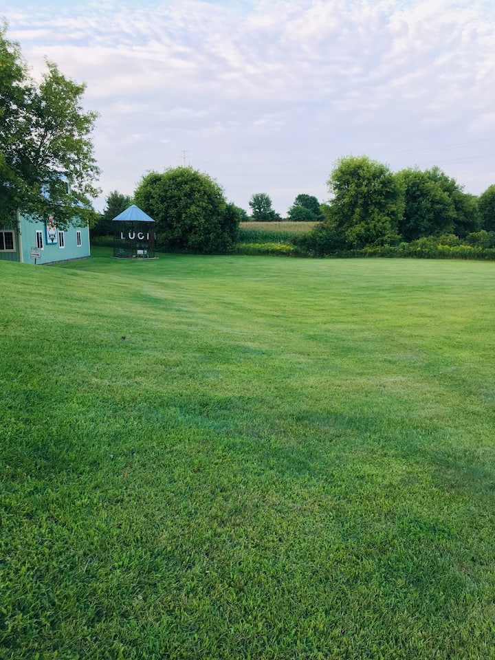 Gorgeous Green Field for RV/Camper Dry Camping