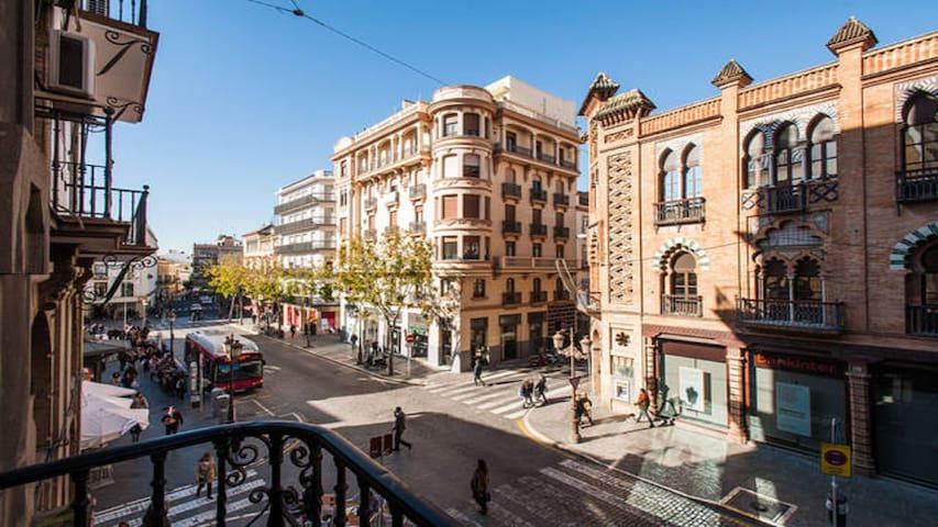 1Habitación balcón, Calle Sierpes, Catedral, wifi