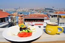 Free Breakfast & Wi-Fi +Air Conditioner & Sea View