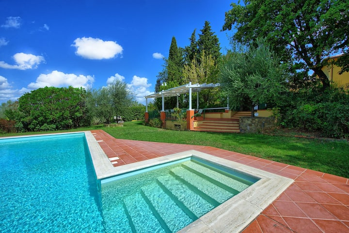 San Carlo - Holiday Villa Rental with private swimming pool in Chianti, Tuscany