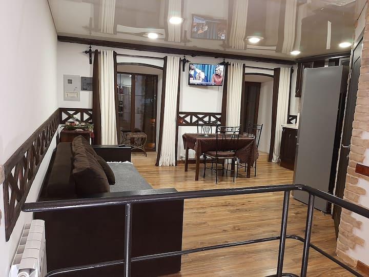 Sharlotte - двухуровневая квартира в Центре