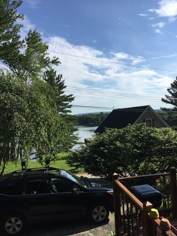 Lakeside 3 bd Berkshires Getaway Relax with Us