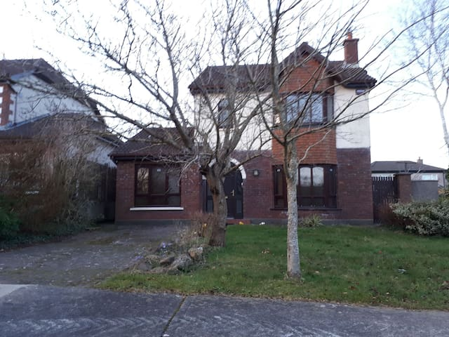 Detached home in Waterford City -close to Greenway