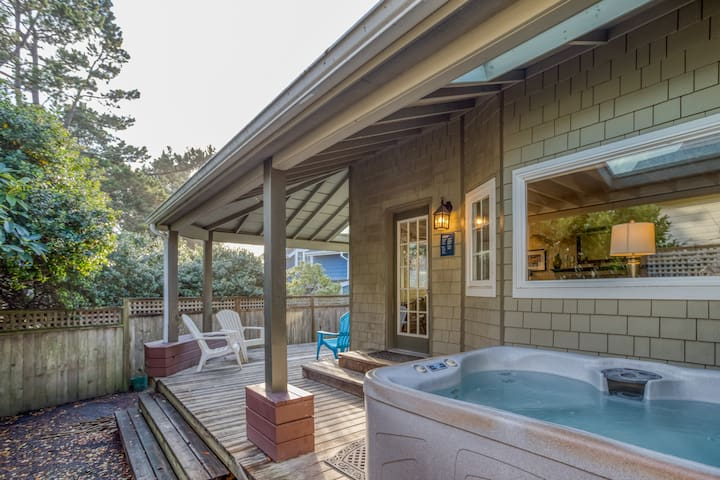 Custom 3-Bed Beauty has Wrap Porch, Hot Tub, Walk to Seaside Beach and Town!