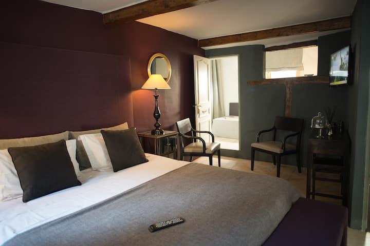 Quetzacoalt-Suite-Romantic-Ensuite with Bath-Terrace