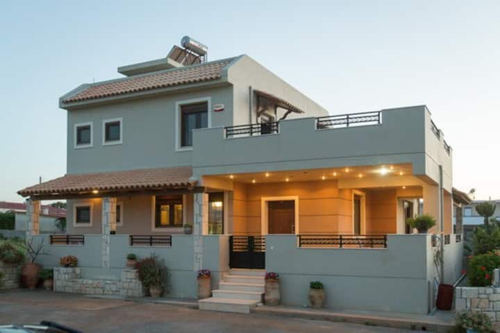 Luxury maisonette Afro by the sea