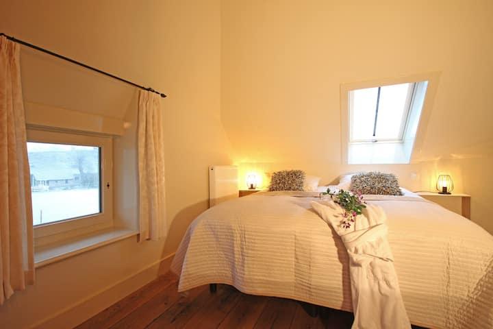 Kamer Op 't Zand, B&B Lhee, met zwembad en sauna