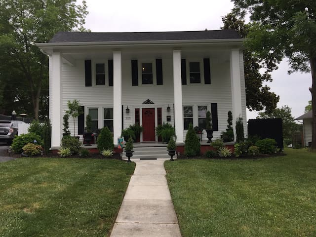 Historic Home in Downtown Dickson