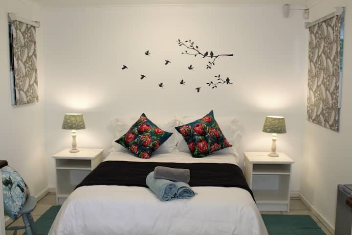 NeverToForget Birds Haven, Self Catering Cottage