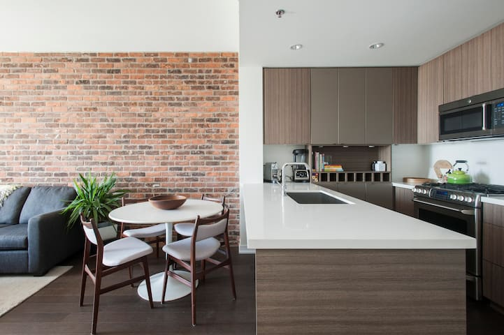 Fabulous Modern Leslieville Loft