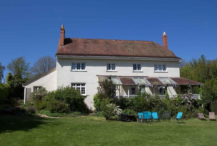 Rural Edwardian farmhouse in Exmoor, sleeps 12