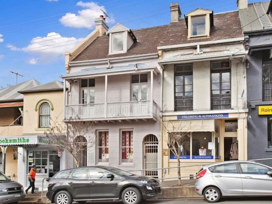 Large 3 bedroom terrace in the heart of Balmain
