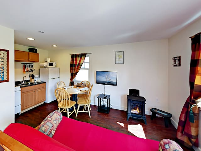 2BR Cottage at Craft Brewery