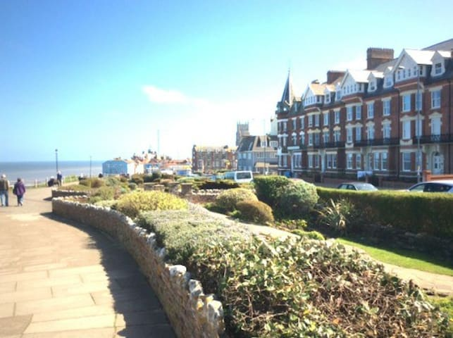 Ground floor apartment with uninterrupted sea view - Cromer - Appartement