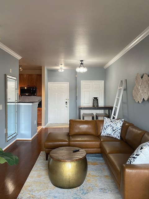 ***Luxurious 1 Bedroom Humble Abode***