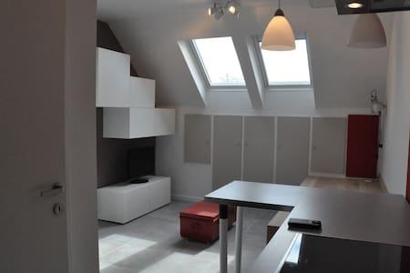 Moderne - studio tout équipé - Tourinnes-Saint-Lambert