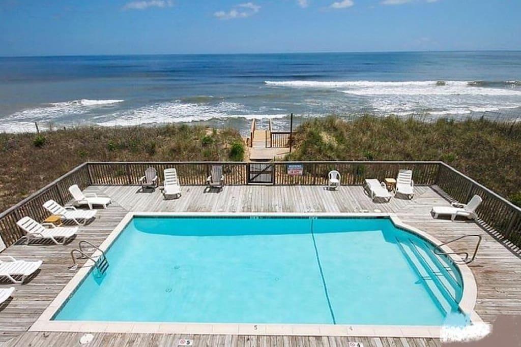 Oceanfront Pool!!
