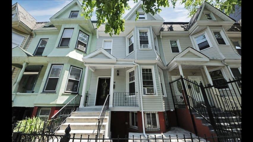 Home oasis home appartamenti in affitto a new york new for Appartamenti in affitto ny