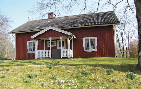 Awesome home in Östra Frölunda with Sauna and 3 Bedrooms