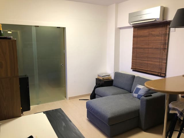 Great 1 bedroom apartment in Wan Chai