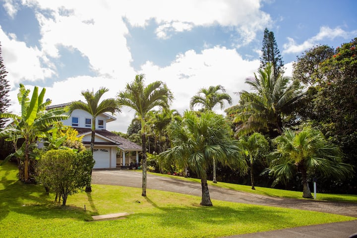 Spacious 4BR Family Home with Incredible Views
