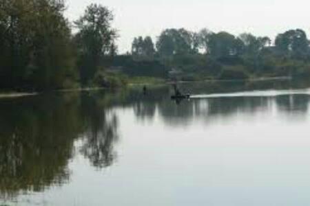 Дом из дерева на берегу озера - Voziera - Ev
