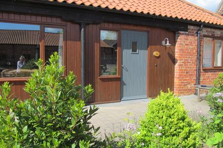 Ash Cottage, a dog friendly cottage in Lincolnshire