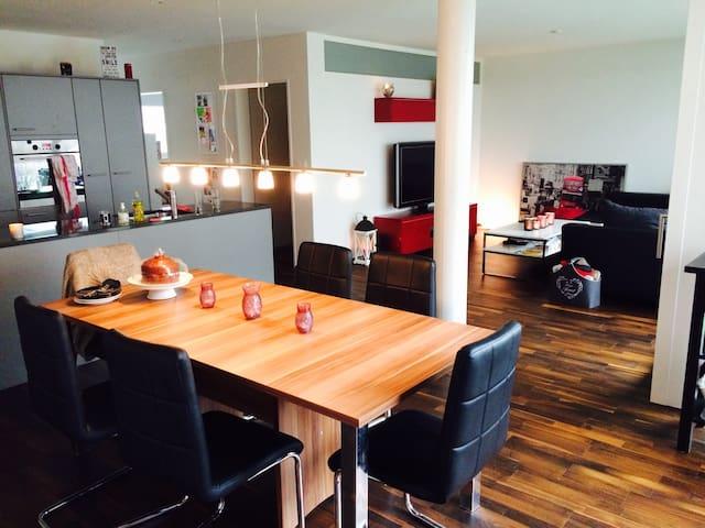 Moderne familienfreundliche 3 Zimmer Wohnung - Frauenfeld - Lägenhet